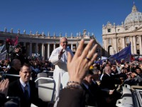 Pope: God's Gifts Blossom in Those Who Welcome Holy Spirit