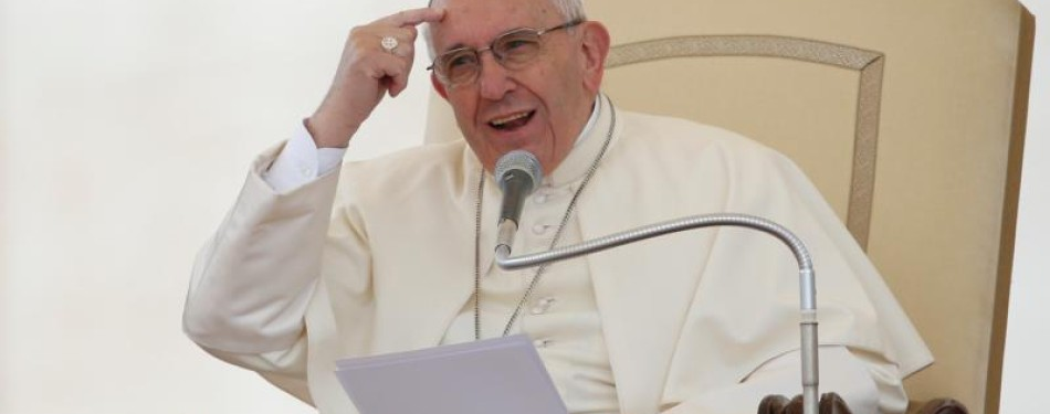 True believers serve others, pope says at audience