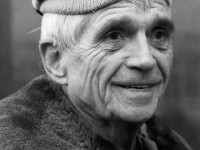 Father Daniel Berrigan, advocate for justice, peace, poor, dies at 94