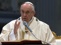 Pope's Morning Homily: Don't Be a Mummy Christian or a Vagabond Christian