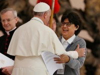 Pope did not say hed ordain women deacons, spokesman says