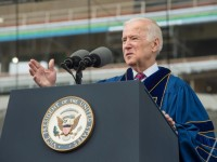 Notre Dame gives Laetare Medal to Biden, Boehner over critics objections