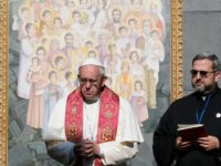 Never again: Pope prays for Armenian genocide victims, future peace