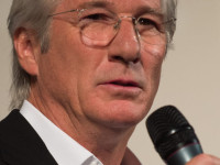 Richard Gere Screens Film on Homelessness at Rome's Sant'Egidio