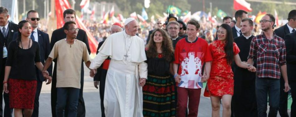 No Room For Benchwarmers, Make History,Pope Tells Youths At Vigil