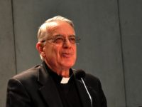 Tribute to Fr. Lombardi on Last Day as Vatican Spokesman