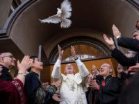 Pope's Prayer for Peace at Assyrian-Chaldean Church
