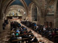For U.S. pilgrims, Mass at Assisi Connects Vision of Pope, Saint