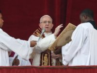 World Scarred By War, Greed Must Welcome Prince Of Peace, Pope Says