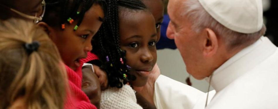 When A Mother Loses A Child, Reach Out With Tears, Not Words , Pope says