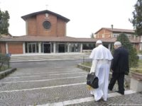 """Lenten Retreat: """"God Is with Us, Despite Our Doubts and Sins,"""" Says Fr Michelini"""