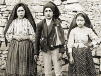 Ahead of May Papal Trip, Francis Recognizes Miracle of Fatima Children