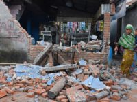 Indonesias Lombok hit by another powerful quake; pope sends prayers