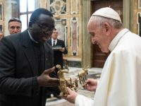 Witness, discipleship are key to missionary work, pope says