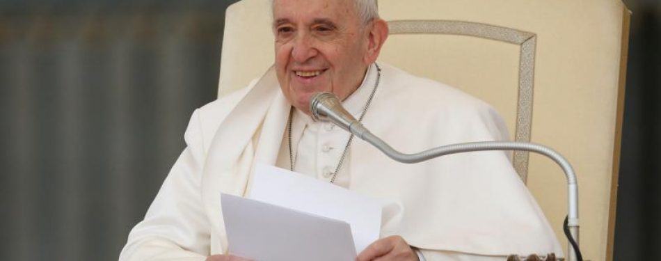 People should not fear difference, but division, pope says at audience
