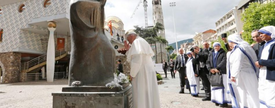 Pope draws lessons from Mother Teresa in city of her birth