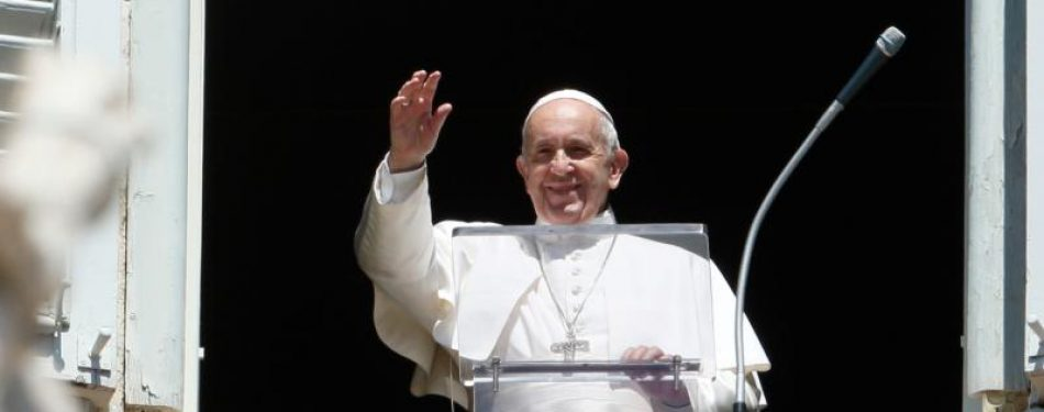 Assumption feast invites people to look to heaven with hope, pope says