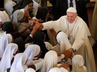Update: Help the poor, protect the environment, pope says in Madagascar