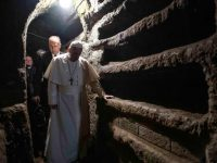 Celebrating Mass in catacombs, pope recalls all persecuted Christians