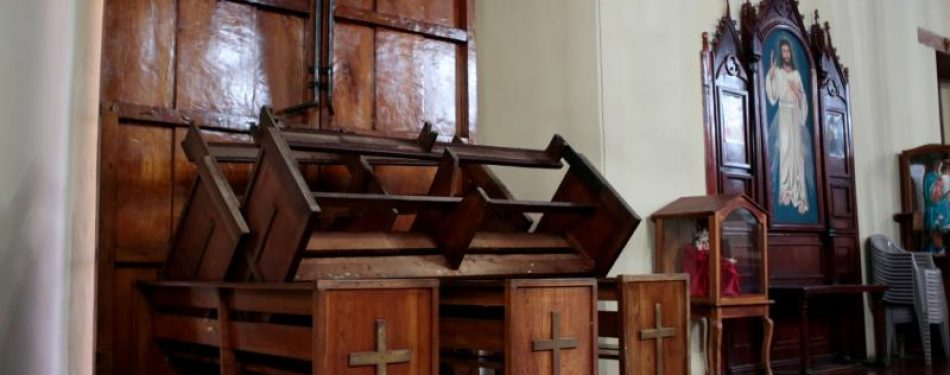 Government supporters besiege another Nicaraguan church