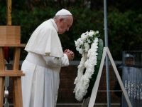 A world without nuclear weapons is possible, pope says in Nagasaki