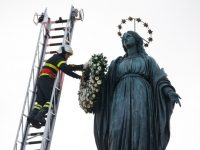 Immaculate Conception is feast of hope for sinners, pope says