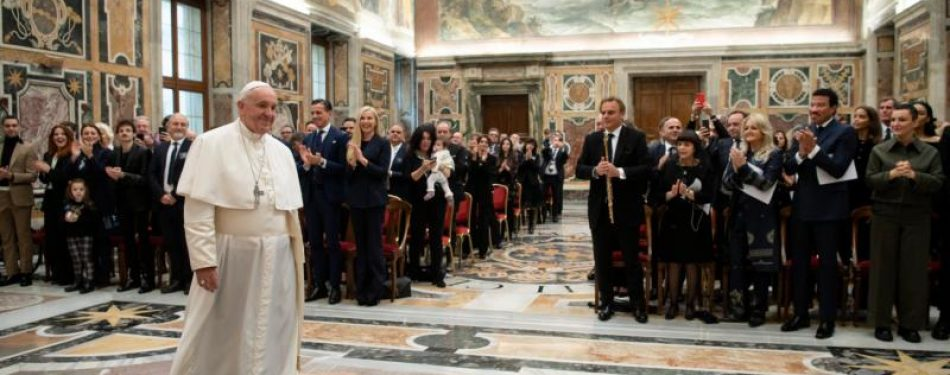 Peoples hearts yearn for God, not possessions, status, pope says