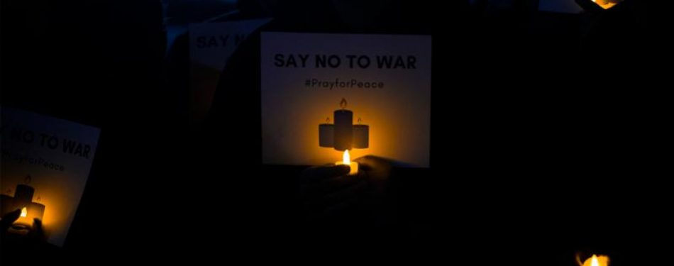 Prayer vigil pushes for peaceful solution in Iran crisis