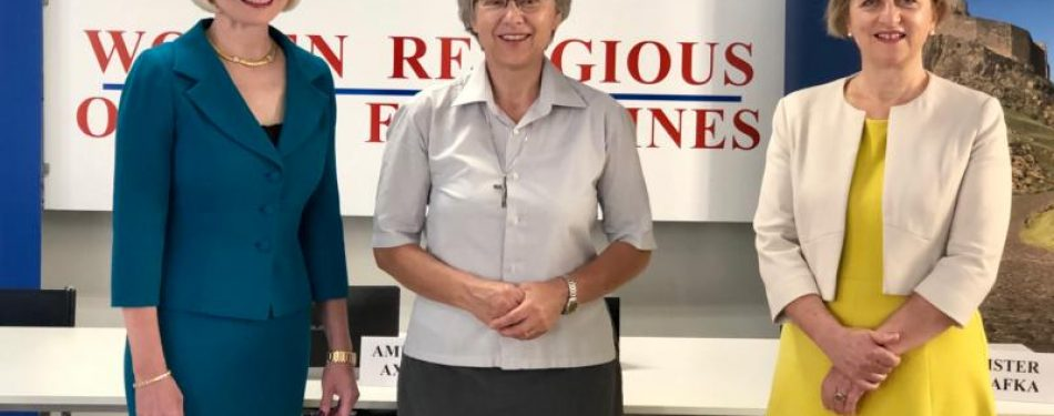 Women religious honored for work on pandemics front lines