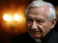 Msgr. Ratzinger, retired popes brother, dies at 96