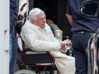 Update: German author says retired Pope Benedict is extremely frail