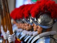 Vatican: Four Swiss Guards test positive for Covid-19