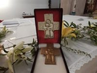 Pope Francis donates pectoral cross to Crucifix museum