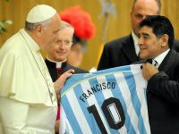 Breaking News Football Legend Maradona Dies Had Credited Pope Francis With His Return To Faith