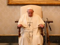 Christ's cross a beacon of hope in stormy seas, pope says at audience