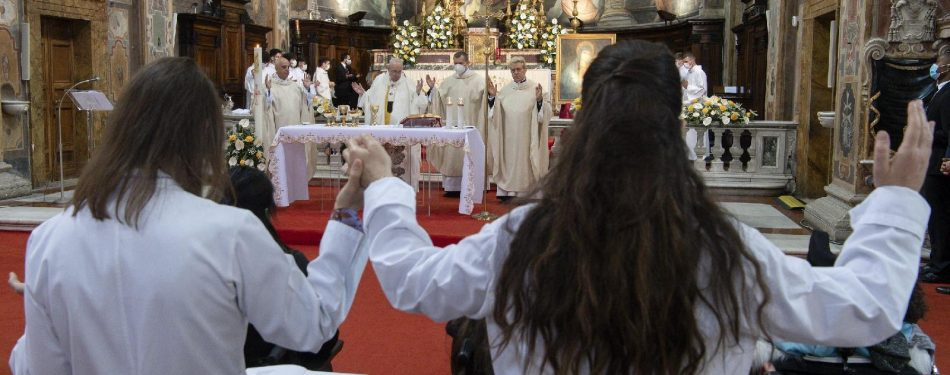 Pope calls all Catholics to be missionaries of God's mercy