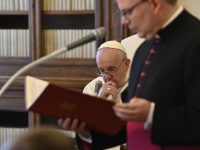 Prayers said aloud lead the way to God, pope says at audience