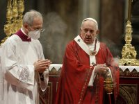 Say 'yes' to the Holy Spirit, 'no' to divisive ideologies, pope says
