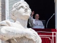 Hope comes from noticing God at work even in small things, pope says
